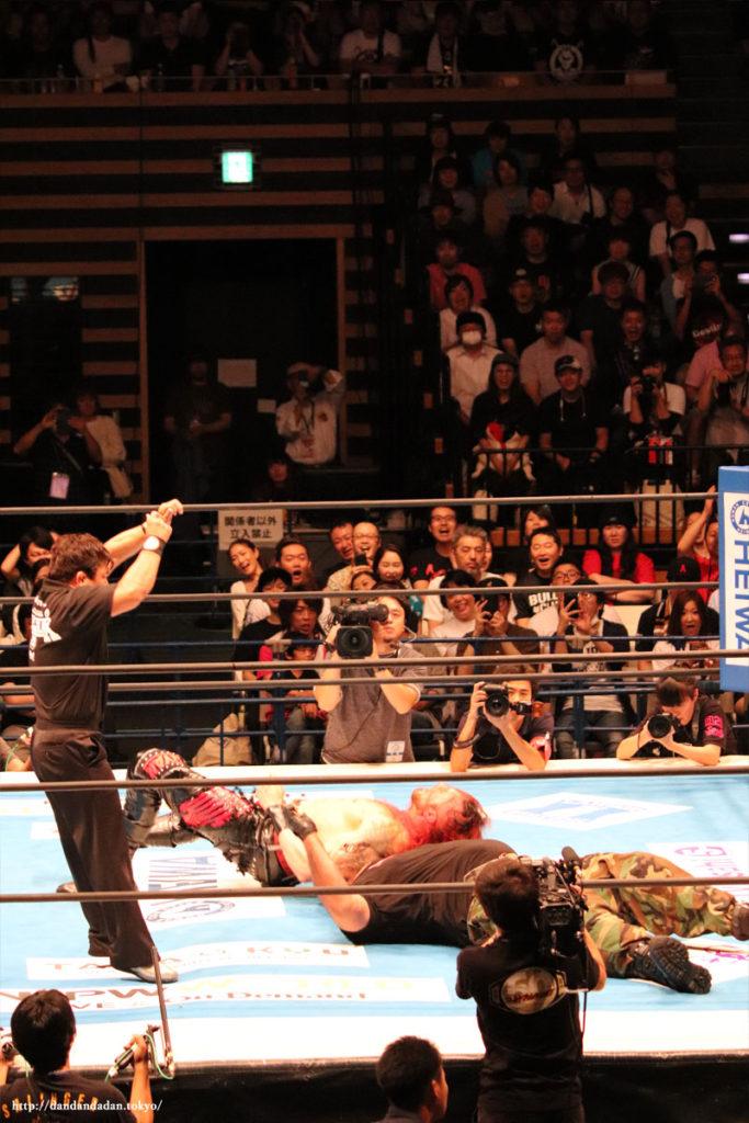 ランス・アーチャー(Lance Hoyt)vsバッドラック・ファレ(Bad Luck Fale)